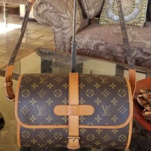 Auth Louis Vuitton Marne Crossbody